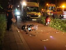 Scooters klappen frontaal op elkaar: twee gewonden