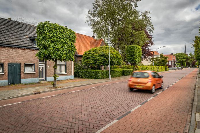In de achtertuinen van woningen aan de Bergstraat in Dommelen komen huizen: plan Kerkeind.