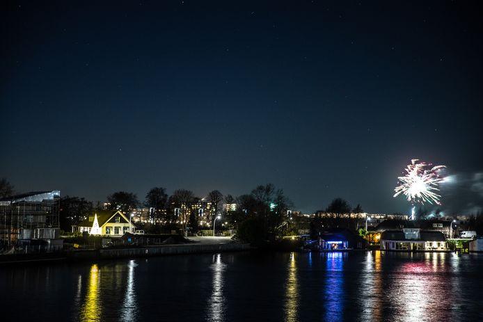 Vuurwerk boven Stadshagen tijdens de afgelopen jaarwisseling.