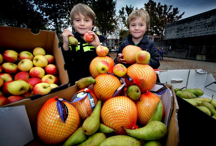 Leerlingen op de basisschool krijgen vaak fruit tussen de lessen door.
