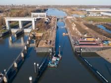 Eerste schepen varen in februari door nieuwe kolk van Beatrixsluis