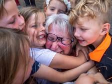 Juf Anke (66) na 47 jaar op zelfde school met pensioen: 'Ik ga de kleuters missen, maar nu ga ik van mijn kleinkind genieten'