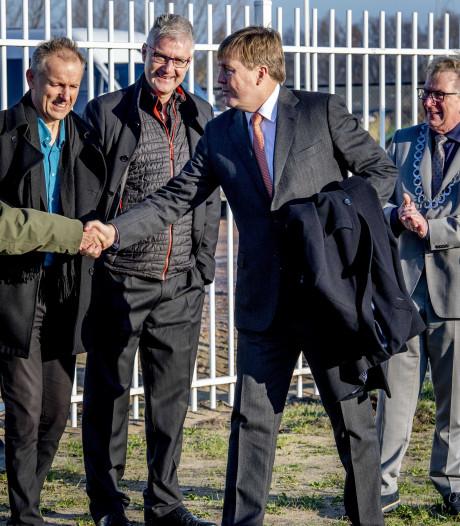 Willem Alexander duikt op in Wageningen
