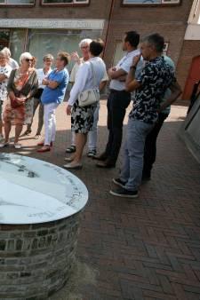 Waterput siert net als vroeger weer het Raadhuisplein in Oud-Vossemeer