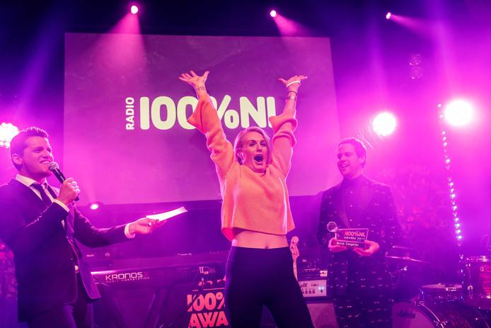 Miss Montreal won recent de award 'Beste zangeres' tijdens de uitreiking van de jaarlijkse 100%NL Awards.