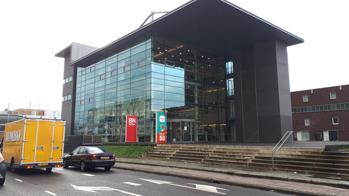 Het opvallende, glazen pand van Alwel wordt het nieuwe thuis van de BN DeStem-redacties Roosendaal, Bergen op Zoom en Etten-Leur/Moerdijk.