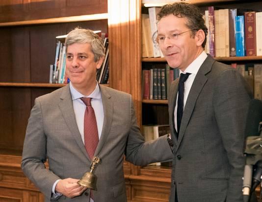 Dijsselbloem gaf vanmorgen de bel, die wordt gebruikt als voorzittershamer, over aan Mario Centeno.