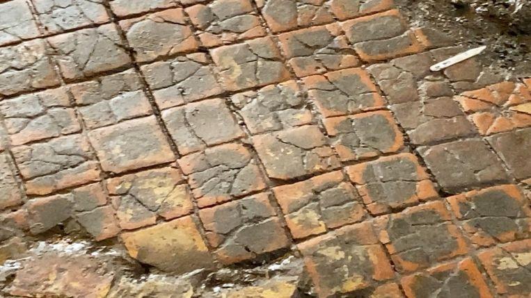 De vloer dateert uit de 14de eeuw.