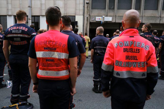 Op de kleding staat het beeldmerk van de brandweer, waardoor doorverkopen geen optie is.