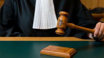 """Voyeur (29) die kinderporno verspreidde, leest brief voor in rechtbank: """"Geprobeerd controle te bewaren, maar dat is niet gelukt"""""""