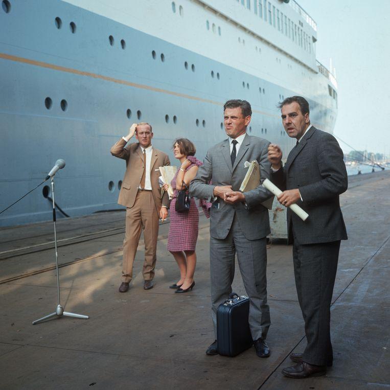 Willem Duys (rechts) en Fred Oster (helemaal links). Beeld Louis van Paridon