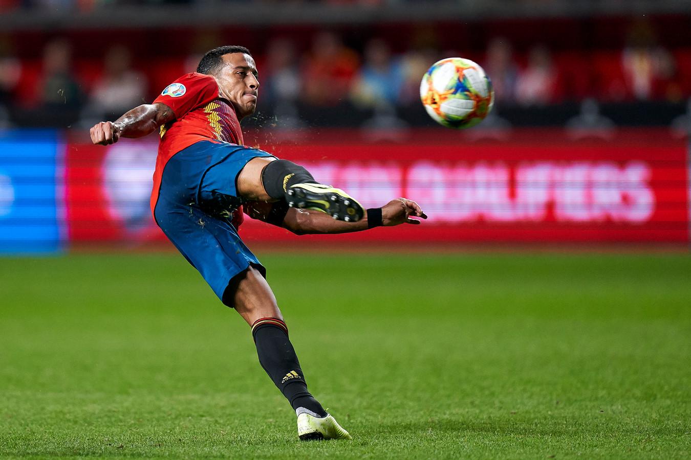 Thiago Alcântara in actie namens Spanje.