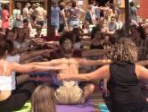 Wakker worden met yoga op Down The Rabbit Hole
