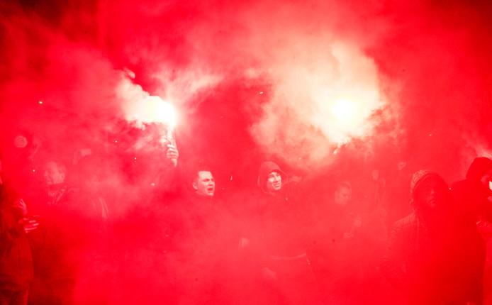 willem II halve finale knvb feestje op de heuvelring supporters door het dolle heen