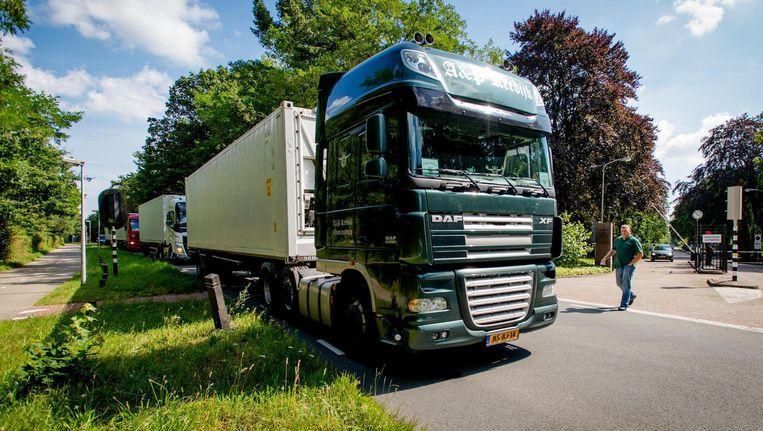 De steden stellen dat vrachtwagens met een hoge cabine gevaarlijker zijn dan wagens met een lage cabine Beeld anp