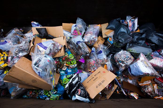 De afvalberg in de gemeente Moerdijk slinkt door het nieuwe ophaalsysteem.