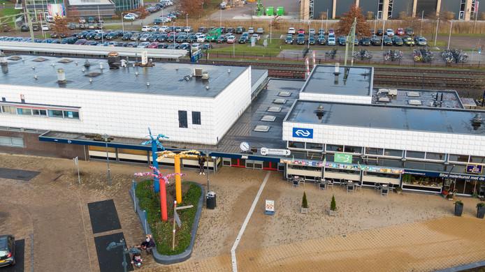 Station Steenwijk is voor 640.000 euro gekocht door de gemeente Steenwijkerland van Post NL.