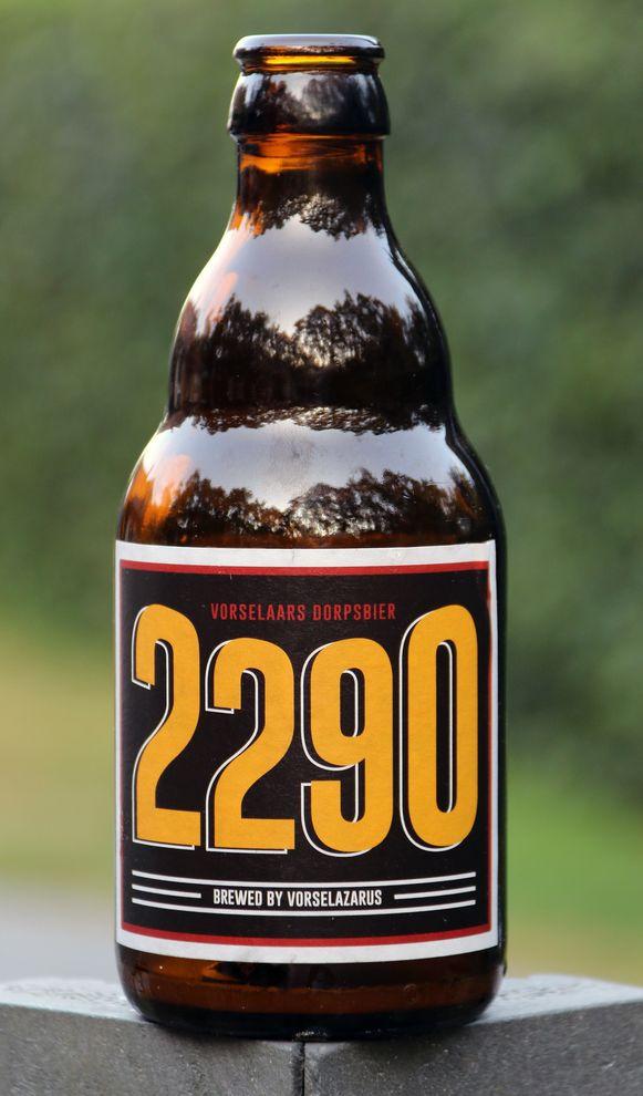 De 2290 is een licht blond bier, een beetje fruitig, niet te zwaar.