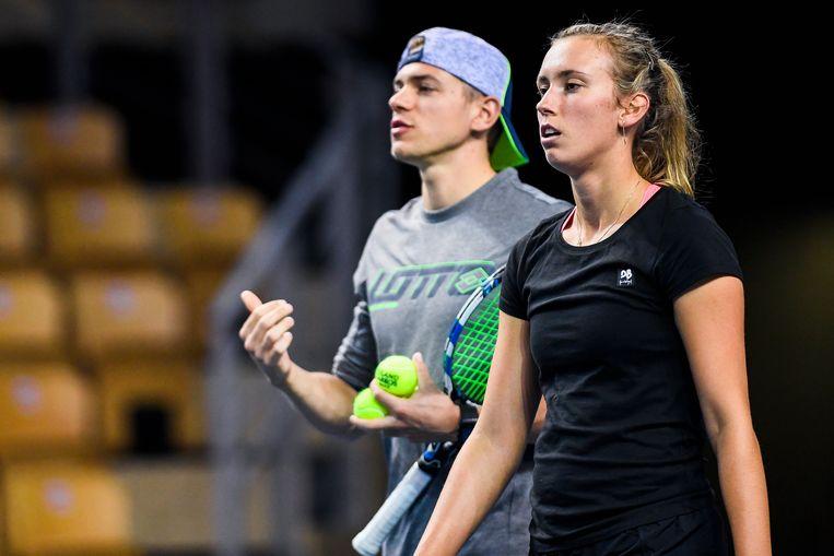 Elise Mertens en haar vriend Robbe Ceyssens, hier in februari 2018, gaan opnieuw samenwerken.