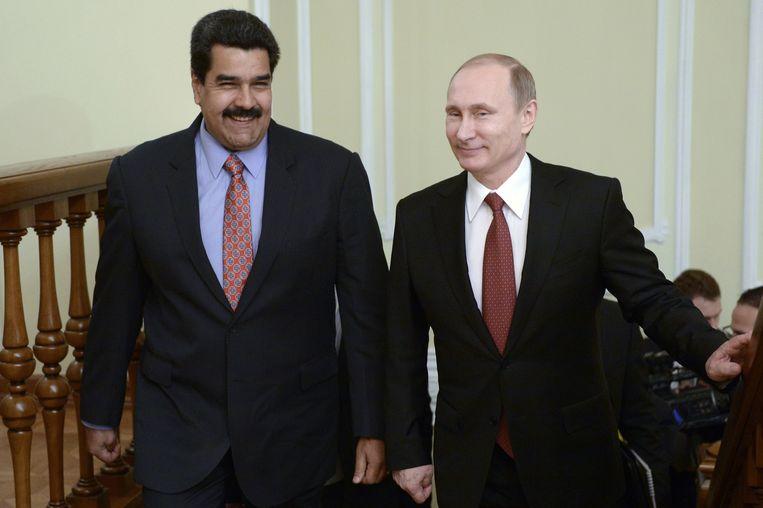 De Venezolaanse president Nicolas Maduro (links) en zijn Russische tegenhanger Vladimir Poetin (rechts).