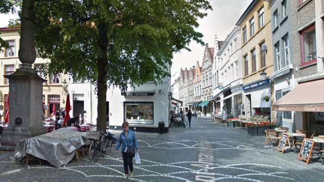 """Gezellige Sint-Amandsstraat krijgt heraanleg in 2021: """"Nieuw zitmeubilair en drinkfontein"""""""