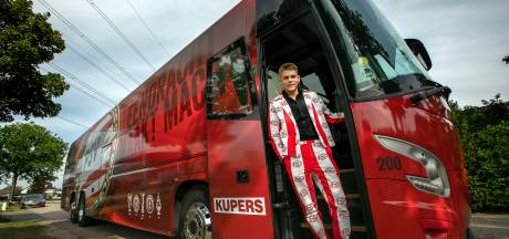 Lex gaat in PSV-pak én PSV-bus naar het eindgala