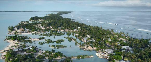 Kiribati: nog altijd vrij van het coronavirus maar door klimaatverandering verdwijnt het land wel langzaam in de Stille Oceaan.