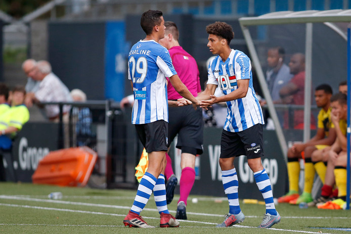 Damien Marie als invaller bij FC Eindhoven tegen Roda JC.