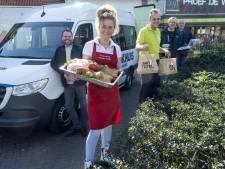 Oldenzaalse ondernemers steunen ouderen met warme maaltijd aan huis