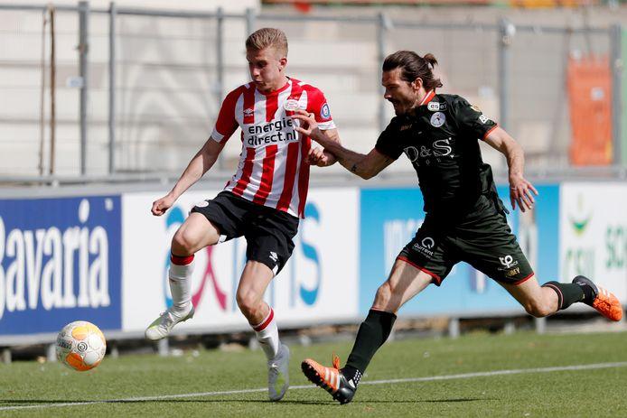Baggio Wallenburg in duel met Édouard Duplan van Sparta in 2019.