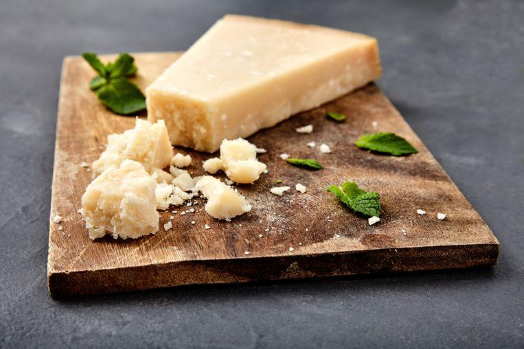 Het Italiaanse Voedselagentschap hanteert strenge regels voor de productie van Parmezaanse kaas.