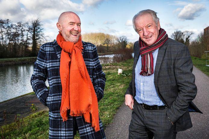 De Vlaamse wielercommentatoren Michel Wuyts en José De Cauwer (rechts) in België.