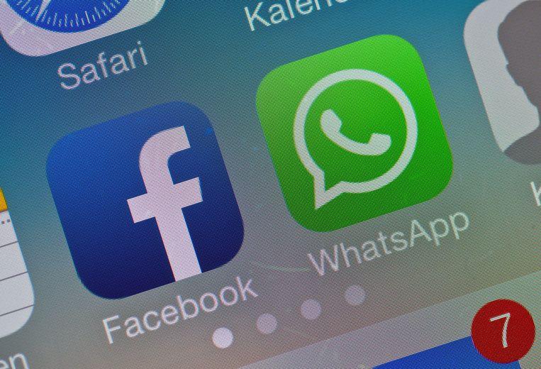 Brazilianen kunnen voortaan geld overmaken zonder hun WhatsApp-chats te verlaten. Ze kunnen zowel geld sturen aan vrienden en familie, als een bestelling bij een klein bedrijf betalen. Gebruikers kunnen zelf een bedrag sturen of geld vragen via een betaalverzoek. Beeld EPA