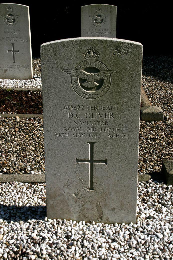 Het graf van vliegenier D.C. Oliver.