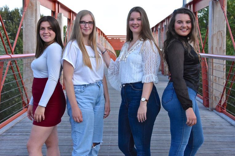 De vier kandidaten met vlnr Emmy Nolf, Amy Roobroek, Tamica Labarque en Rhune Schuermans