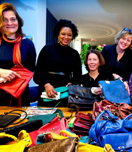 Tassen in de verkoop voor het goede doel: 'Er zijn zelfs tassen van Chanel en andere dure merken'