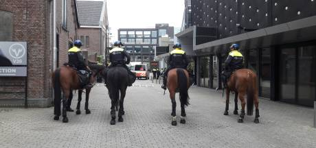 Grote training ME in Tilburg: 100 'Willem II-supporters' als tegenstander