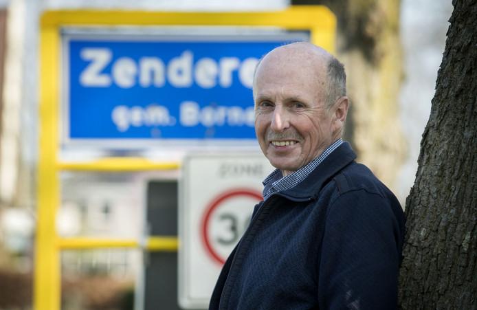 """Henk Semmekrot heeft zich jaren ingezet voor het welzijn van Zenderen. De dorpsraadsecretaris maakt graag plaats voor nieuwe bestuursleden. """"Er is hier nog genoeg werk te doen."""""""