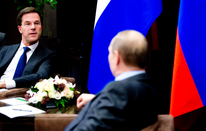 Premier Rutte en de Russische president Poetin nog vóór de MH17-ramp, bij de opening van de Olympische Spelen in Sotsji