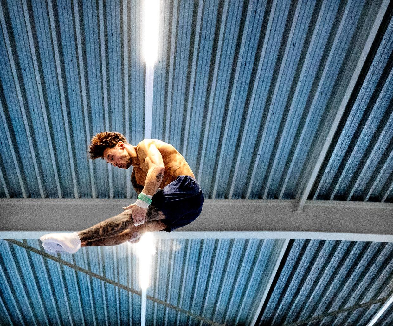 Bart Deurloo tijdens een training in Zwijndrecht.   Beeld Klaas Jan van der Weij / de Volkskrant