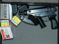 Verdachte die in Almelo man bedreigde met machinepistool, ontploft tijdens rechtszaak