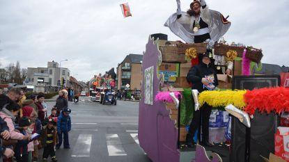 """VIDEO: Prinses Lolita leidt Lokerse carnavalstoet door weer en wind: """"Enkel positieve reacties als travestieprinses"""""""