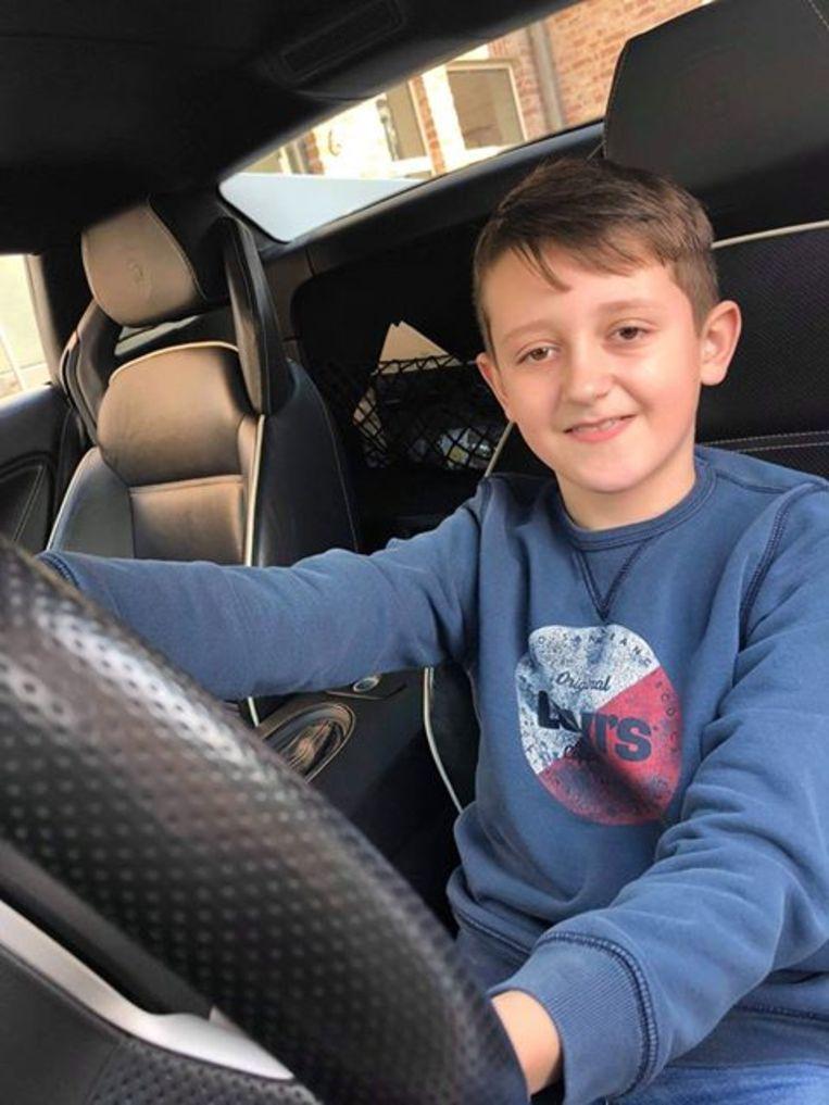 Dolan Devulder aan het stuur van de 'Lamborghini Aventador Roadster Limited Edition'