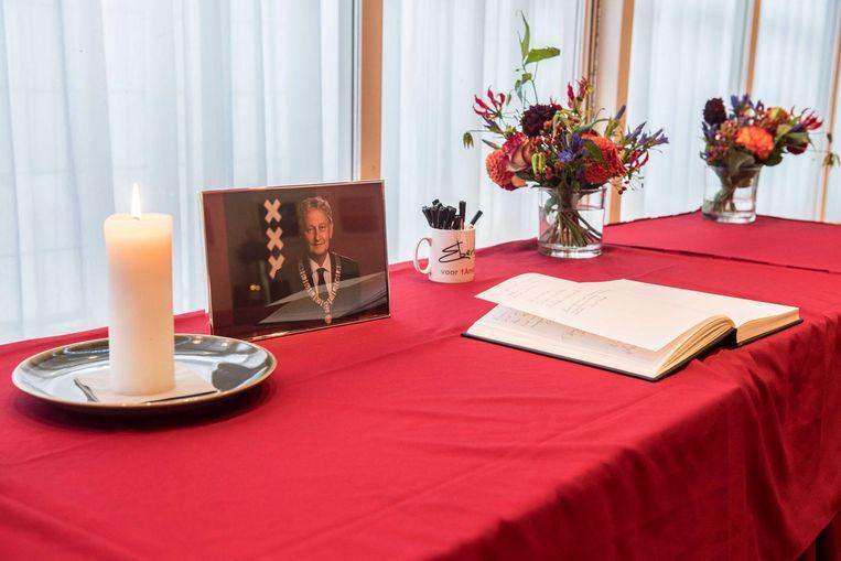Condoleanceregister in Boekmanzaal van het stadhuis Beeld anp
