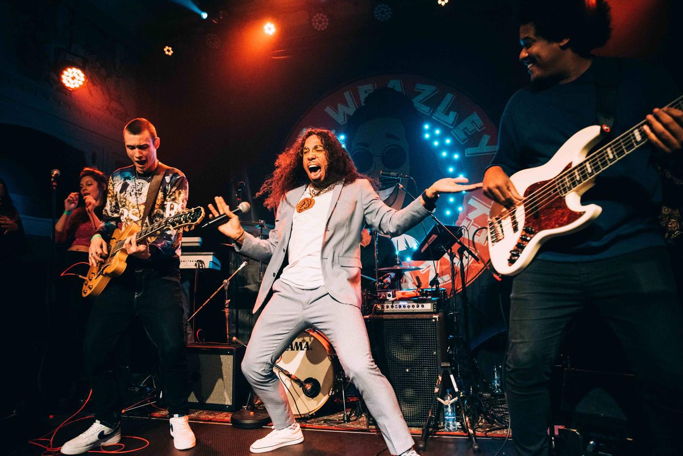De Arnhemse band Mr. Weazley mixt hiphop, reggae, afrobeat en 'spoken word'.
