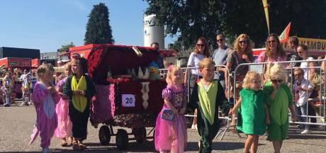Zonnige start 69e Kindercorso in Zundert