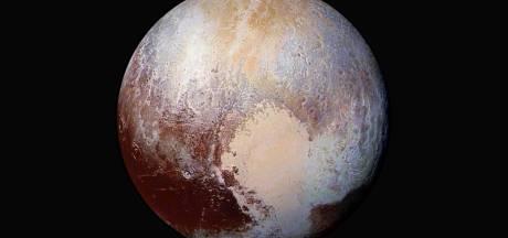 Pluto misschien toch wel  een volwaardige planeet