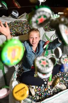 Tara (11) spaart miljoenen doppen voor Kika