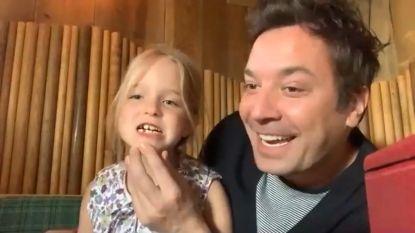 Schattig dochtertje Jimmy Fallon onderbreekt interview voor uitgevallen melktand