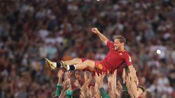 """Totti neemt ontslag en vertrekt na 27 jaar bij AS Roma: """"Dit voelt als sterven"""""""